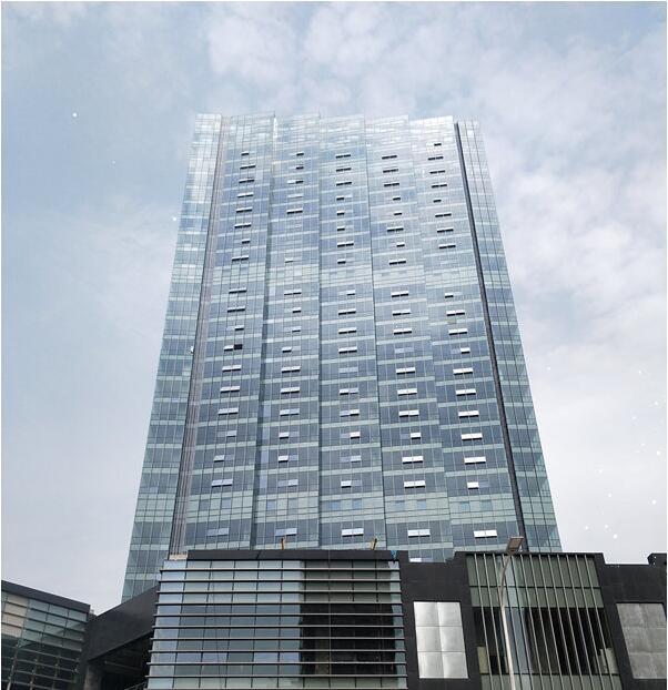 那么 陕西幕墙玻璃维护保养方式有哪些呢?