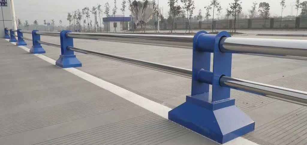 成都市政道路护栏案例