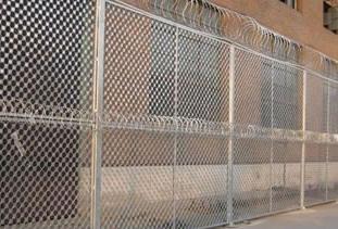 监狱防攀爬钢网墙