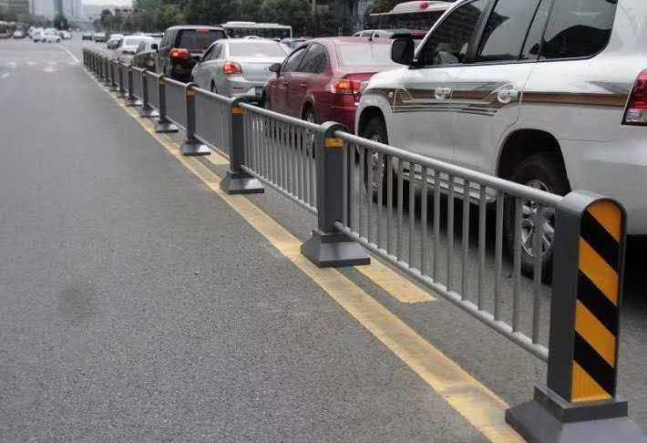 你知道吗?这些都是成都市政道路护栏的常见样式