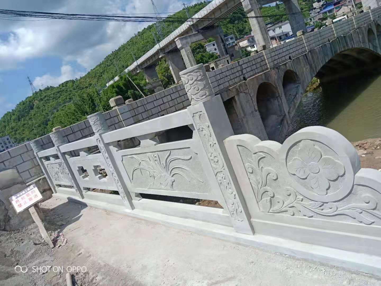 四川青砂石雕刻栏杆