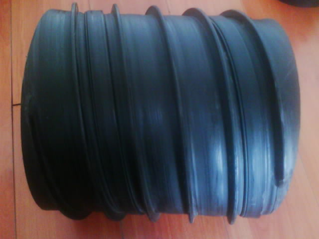 HDPE聚乙稀塑钢缠绕排水管