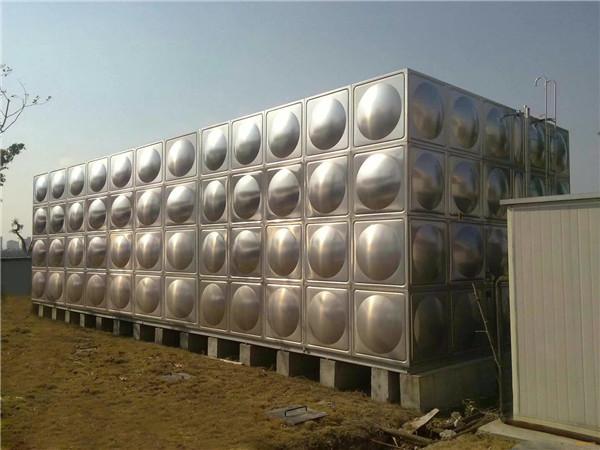 方形不锈钢水箱整体作为生活用水安装展示!