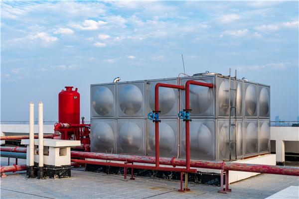 西诚能源方形不锈钢水箱应用在消防用水上!