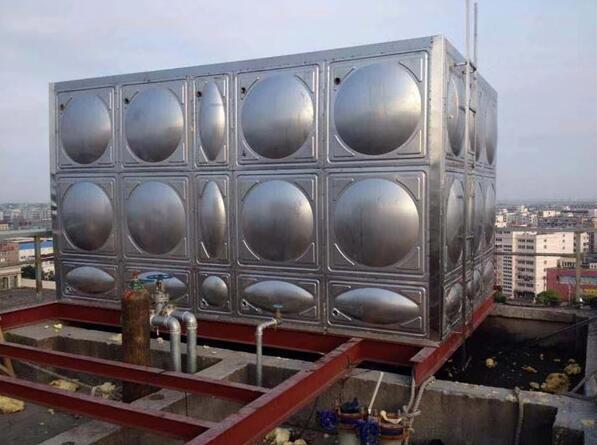 和水泥水箱FRP和玻璃钢水箱相比,不锈钢水箱都有哪些优势呢?