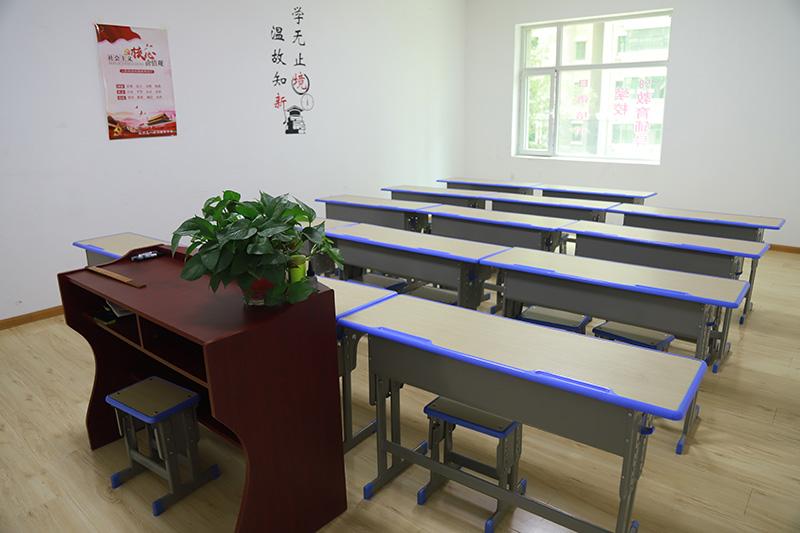 五八教育.凤鸣艺考文化课学校教室