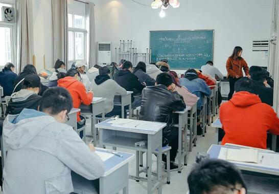 高考生文化课科目复习中需要重点对待的几个科目