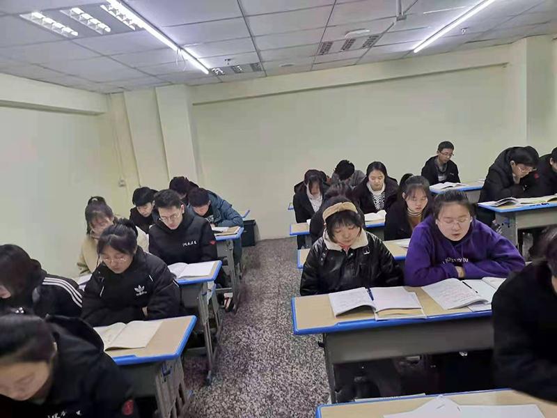 认证学习的孩子们,兰州五八教育凤鸣艺考文化课冲刺