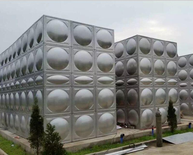 四川不锈钢方形水箱客户案例--乐山污水用不锈钢方型水箱