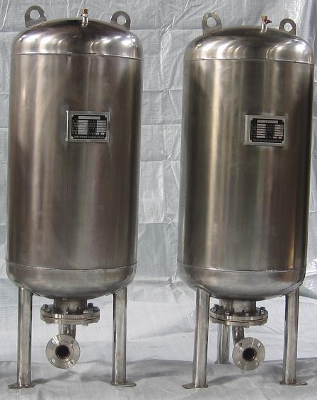 隔膜式气压器
