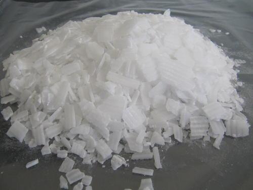 片碱主要应用在哪些方面了?以及其在溶解的时候有哪些严格的操作!