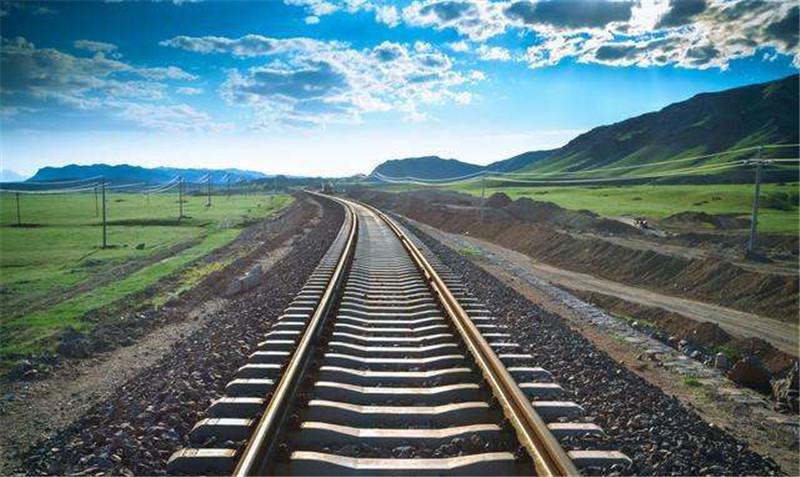 河南普彬告诉你铁路上为什么有石子?