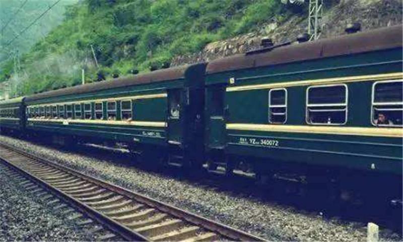 河南老k车---为什么火车与高铁使用的轨道不同?