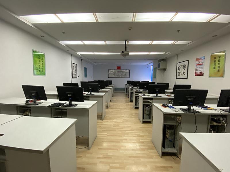 兰州育人学校网络教育教室