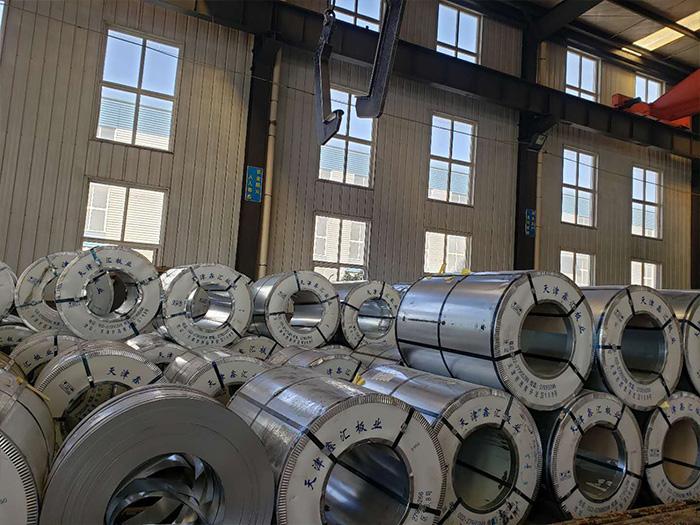 银川彩钢卷中维钢结构产品图