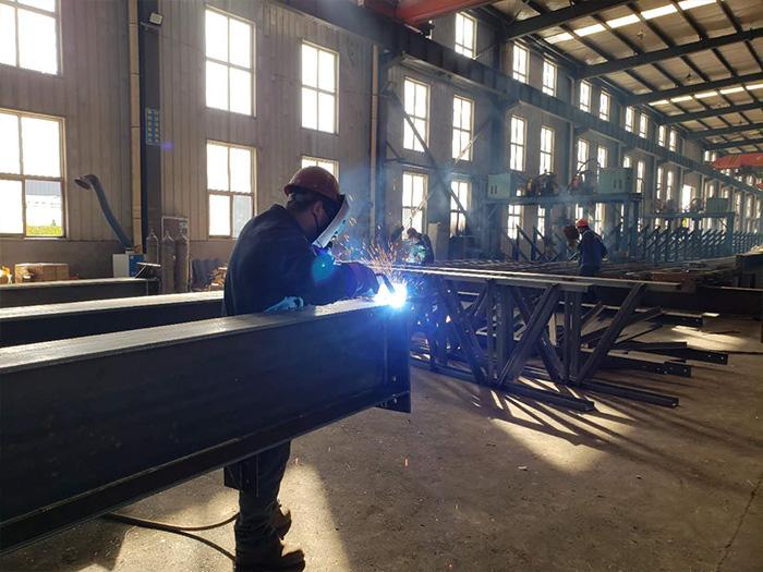 宁夏彩钢板厂区内部环境展示