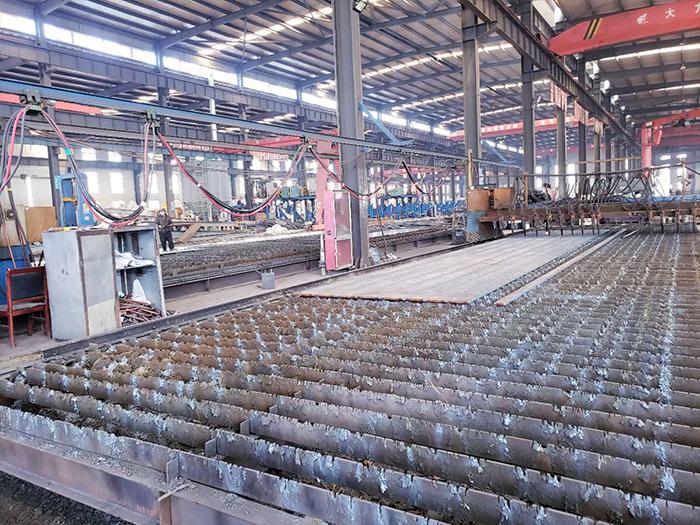 银川彩钢板厂区内部环境展示