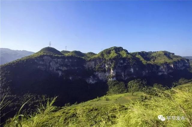 10多名驴友在贵州黔西未开发溶洞探险失联已3天,救援队正赶赴现场