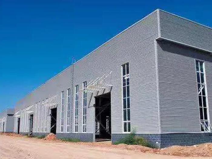 宁夏钢结构厂房屋面漏水原因以及防护工作
