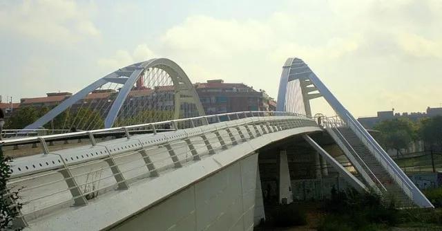 从建筑角度讲钢结构——宁夏钢结构和建筑概念。
