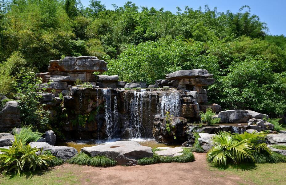 塑石假山建造与园林各构成要素的组合效果