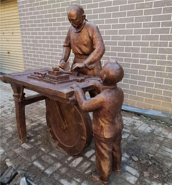 河南人物铜雕制作