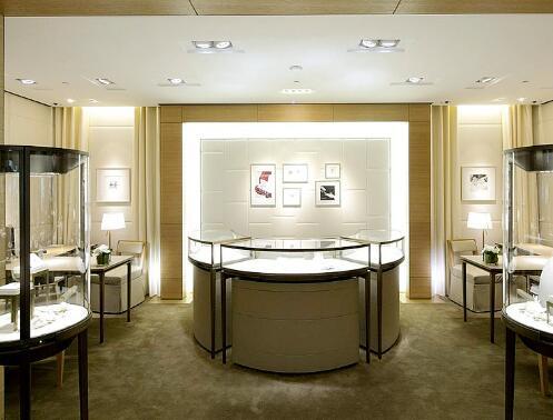 珠宝展示柜玻璃的几种清洁小技巧