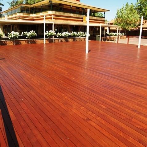 西安防腐木地板案例
