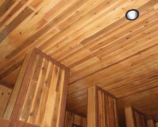 吉中木业向你讲解西安桑拿板和生态木特点对比?