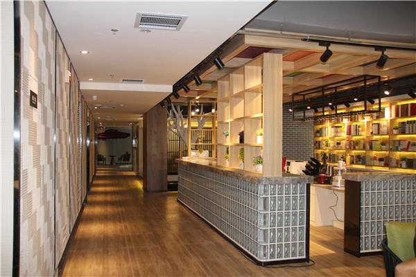 水晶砖案例:河南硕果酒店