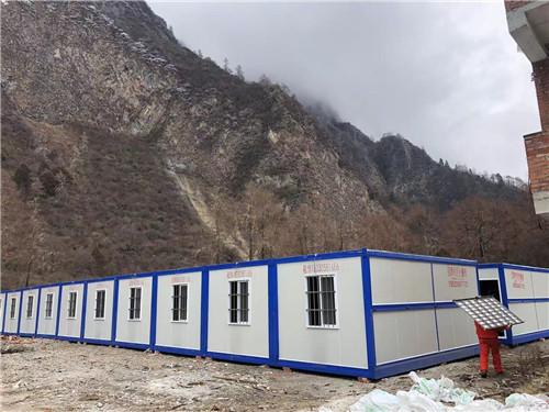 成都集装箱厂家——甘孜州仁宗海大坝项目50间集装箱租赁