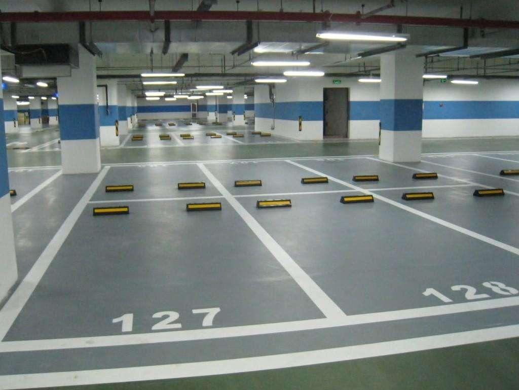地下停车场行车道地坪