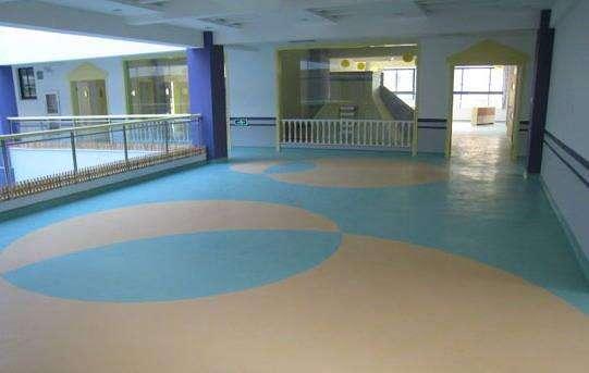 河南PVC塑胶地板厂家