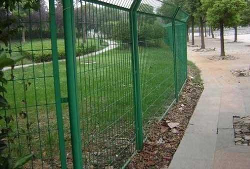 四川绿色铁丝网完工案例