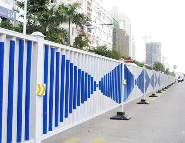 你知道四川护栏网在城市道路建设中的作用吗?