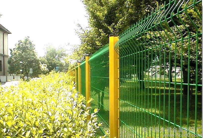 想知道四川护栏网的类型和安装方法吗?看这里!