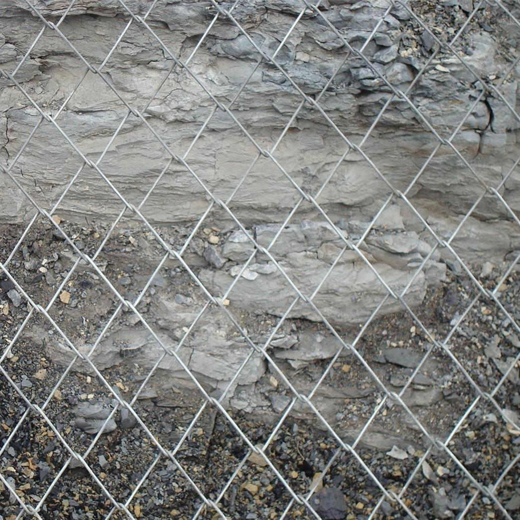 四川主动边坡防护网对山体绿化的作用