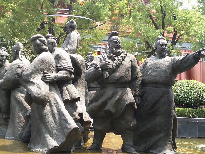 汉中雕塑厂提醒大家在购买人物雕塑需要注意这些事项