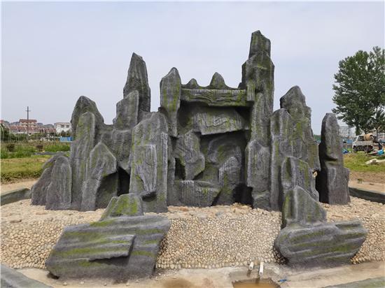 汉中大型水泥假山和汉中真石假山的区别