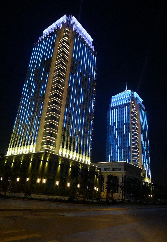 成都亮化工程案例—重庆晶彩城楼宇亮化