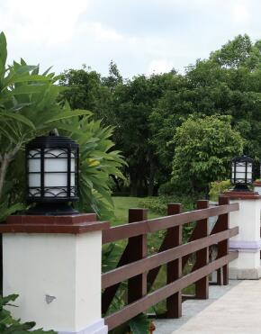 现代柱头灯