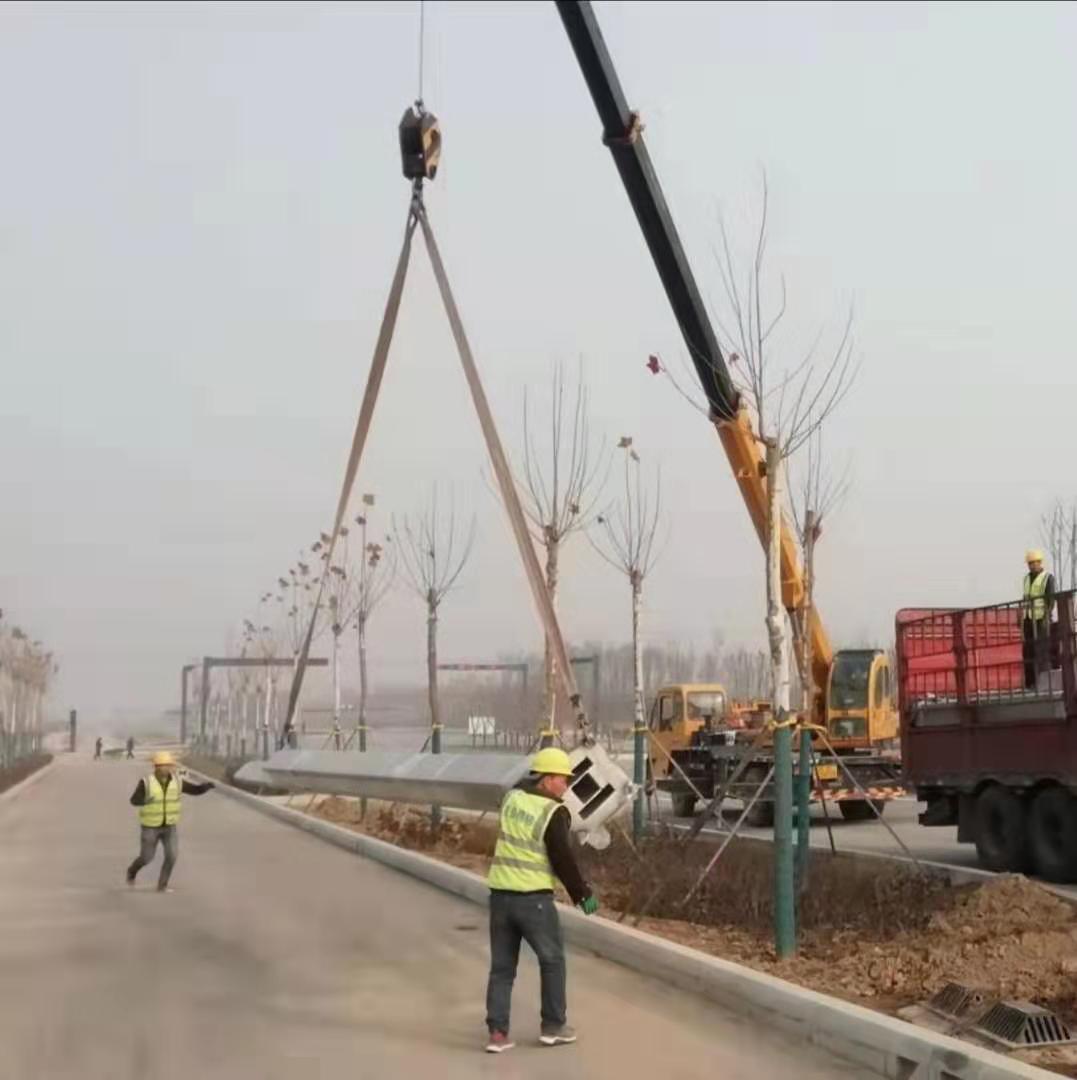 咸阳沣西新城沣渭大道康定路西段市政照明工程
