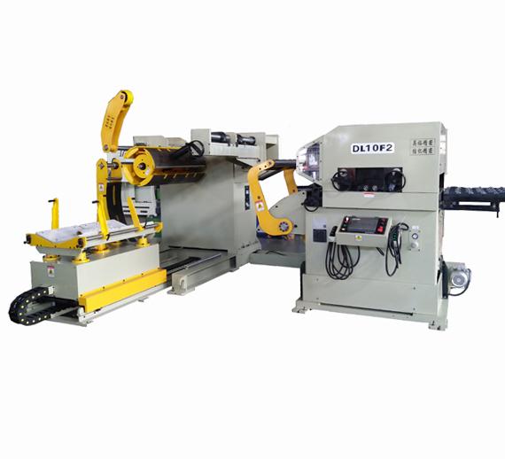 厚板三合一送料机的自动入料方法