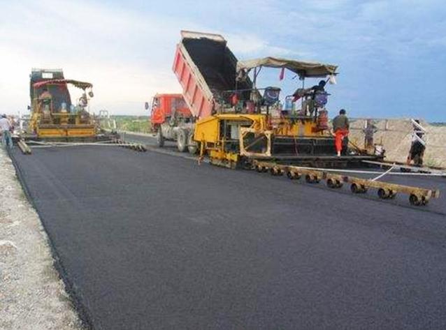 四川沥青路面铺设成功案例