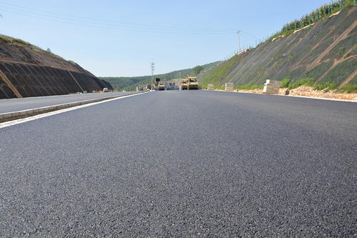 浅谈四川沥青路面的施工技术