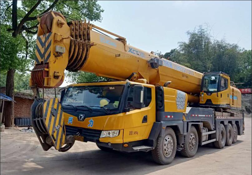 瀘州吊車出租-200噸汽車吊