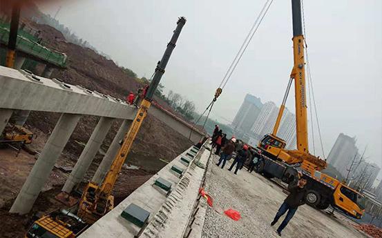 内江市五星路跨谢家河桥梁架设