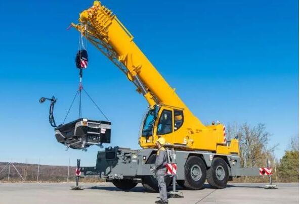 汽車吊車臂架安裝方法及調整方案