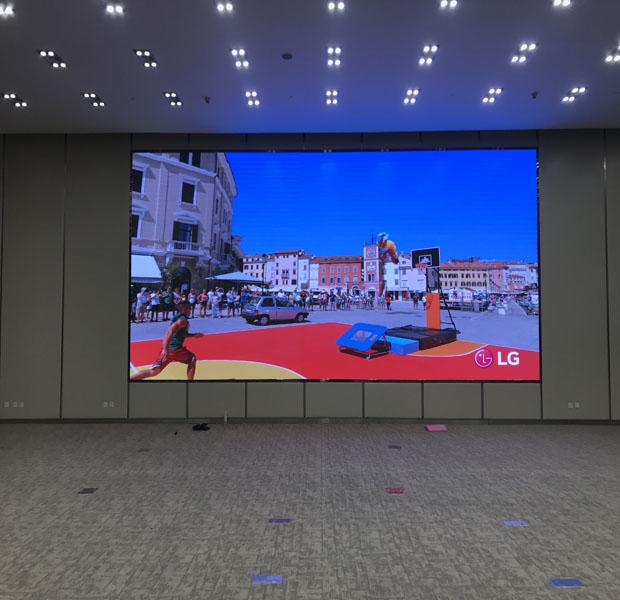 室内P2.5全彩屏安装完成,测试使用