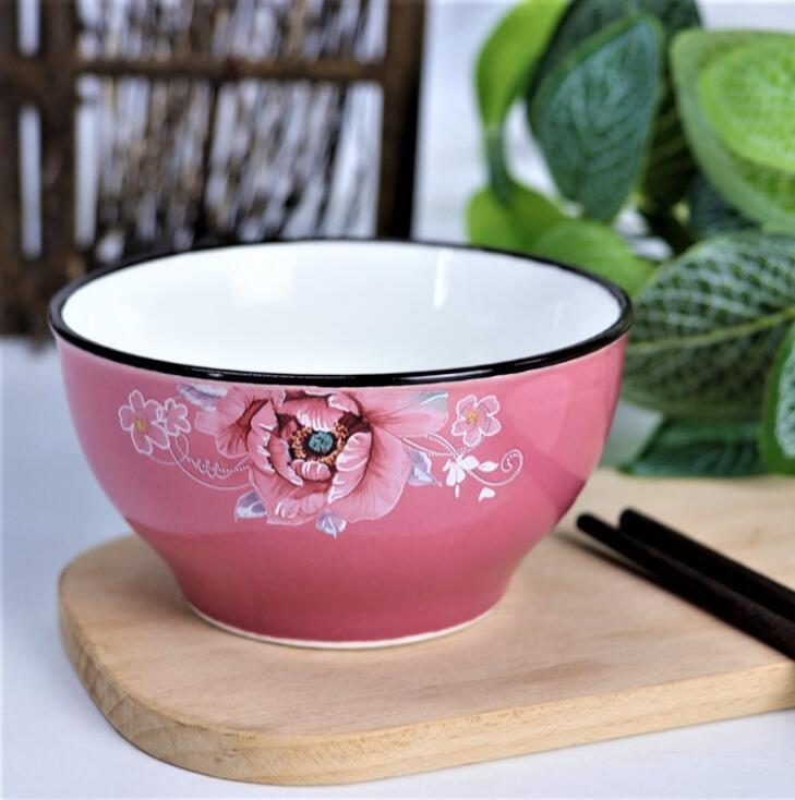 来看看,陶瓷餐具的素色vs彩瓷,哪个更符合流行趋势?